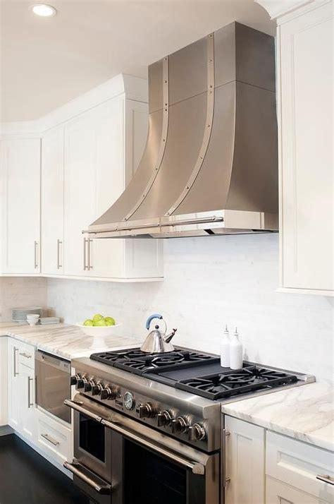 backsplash pictures for kitchens best 25 kitchen hoods ideas on kitchen 4274