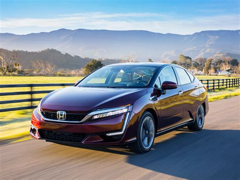 Honda Car : Honda's Hydrogen Fuel Cell Clarity Comes Loaded With Perks