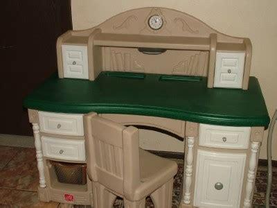 Step 2 Little Tike Kids Desk Chair Set Light Clock
