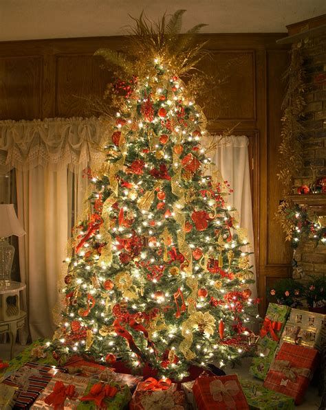 christmas trees decorated the best artificial prelit christmas trees amazing