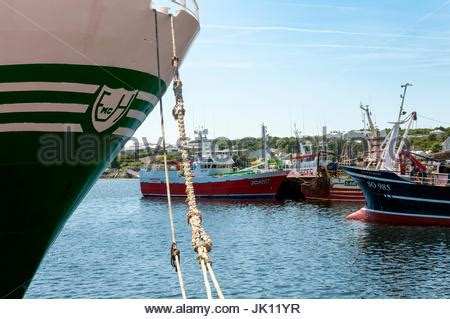 Commercial Fishing Boat Jobs Ireland by Colourful Trawlers And Fishing Vessels Moored At Dingle