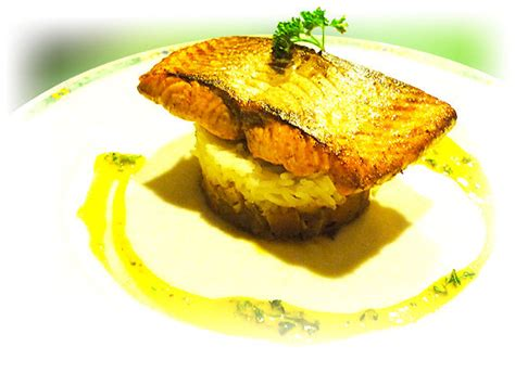 recette de cuisine gastronomique pavé de saumon au riz basmati brumoise de légumes façon