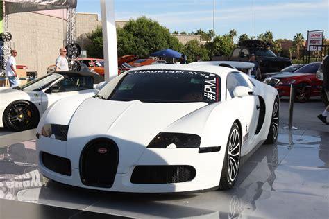Matte White Bugatti Veyron 1