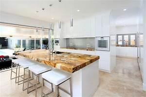 Arbeitsplatten fur kuche die materialien im uberblick for Naturstein arbeitsplatten küche