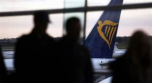Ryanair's Low-Cost Soul at Stake as Pilots Gird for Fight ...