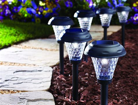 best outdoor solar lights 10 best outdoor solar lights smarthome guide