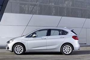 Hybride Auto Rechargeable : bmw 225xe l 39 hybride rechargeable de la famille automobile ~ Medecine-chirurgie-esthetiques.com Avis de Voitures