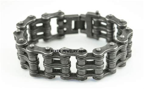 Bracelets/necklaces