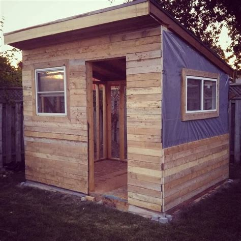 simple  cheap wood shed   pallets sensod