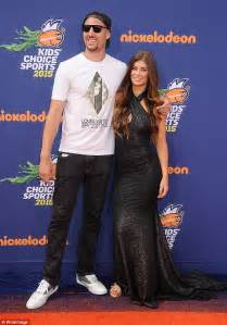 klay thompsons girlfriend hannah stocking shames nba