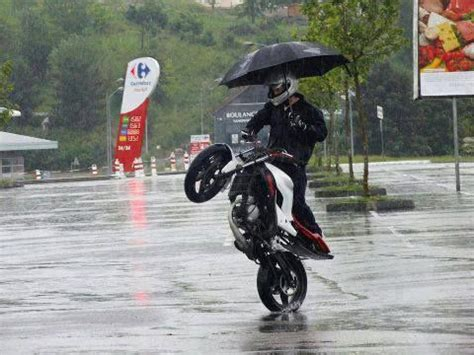 motorcycle rain 37 best images about funny motorbike stuff on pinterest