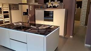 Küchen Mit Glasfront : st rmer k chen musterk che designerst ck mit glasarbeitsplatte ausstellungsk che in gr nstadt ~ Watch28wear.com Haus und Dekorationen