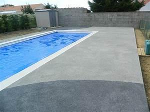 terrasse piscine beton colore nos conseils With carrelage plage piscine gris 11 terrasse bois entourage piscine nos conseils