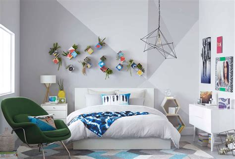 Are you actually still thinking about how much you love the idea of decorating your bedroom walls in some kind of diy agnes walks you step by step through their process for making this pretty tree silhouette. 24 DIY Bedroom Decor Ideas To Inspire You (With Printables)   Shutterfly