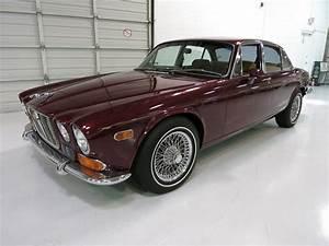 4 4 Jaguar : 1973 jaguar xj 6 custom 4 door sedan 174725 ~ Medecine-chirurgie-esthetiques.com Avis de Voitures