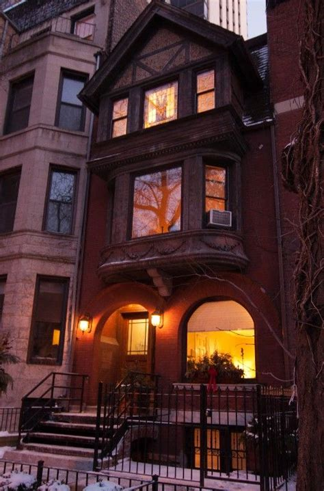 Rental Chicago by Magnificent Mile Gold Coast Luxury Brownstone Downtown