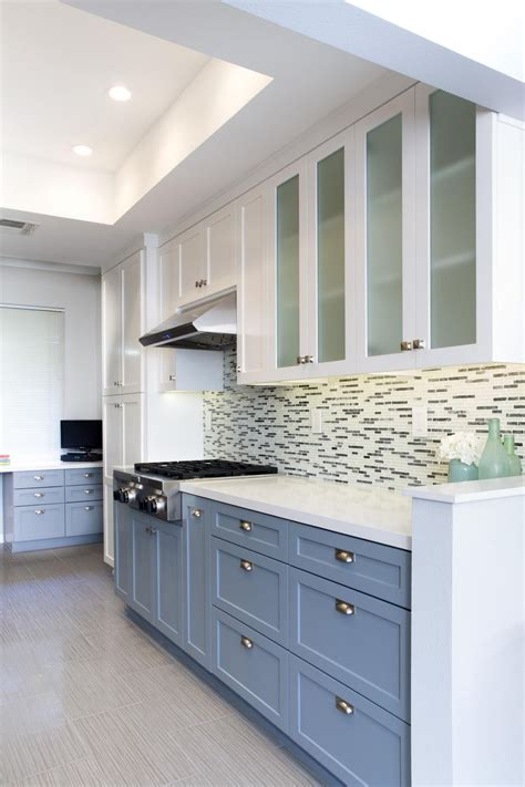 17+ Pleasing Kitchen Cabinets Two Colors