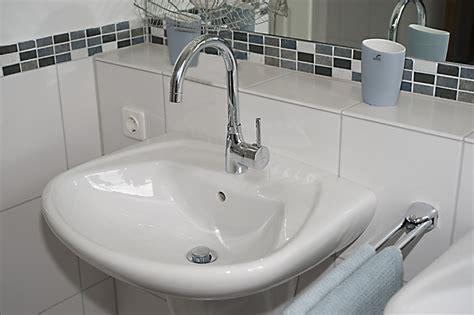 Bad Waschbecken Mit. Simple Badezimmer Waschtisch With Bad