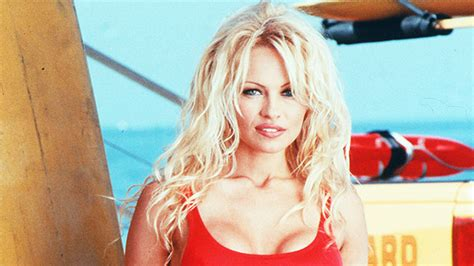 pamela andersons bustier pic proves shes  hot