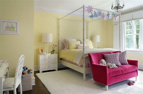 sofa for girls bedroom pink sofas an touch of color in the living room
