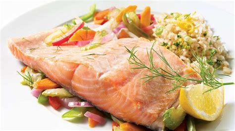 cuisiner filet de saumon filet de saumon à l aneth recettes iga poisson citron