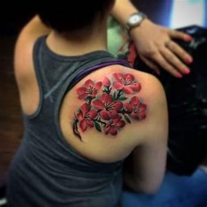 30+ Beautiful Tattoos of Flowers