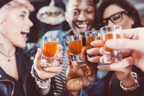 alkoholvergiftung anzeichen therapie und folgen