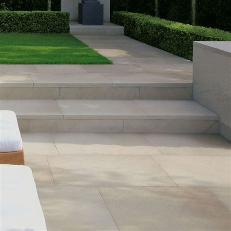 contemporary patio paving 25 best ideas about patio slabs on pinterest paving ideas paving slabs and contemporary