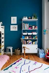 Kinderzimmer Für Zwei : ein kleines zimmer f r zwei kinder littleyears ~ Frokenaadalensverden.com Haus und Dekorationen