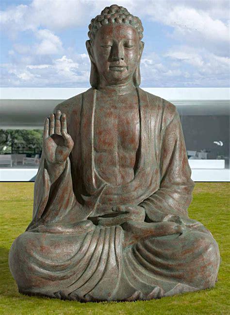 bouddha geant interieurexterieur