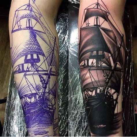 dal disegno allopera skepp tatuagem masculina