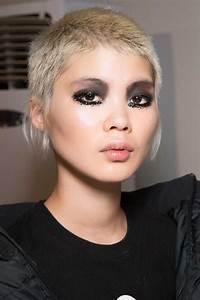 Coupe Cheveux Asymétrique : coiffure femme courte 2018 ~ Melissatoandfro.com Idées de Décoration