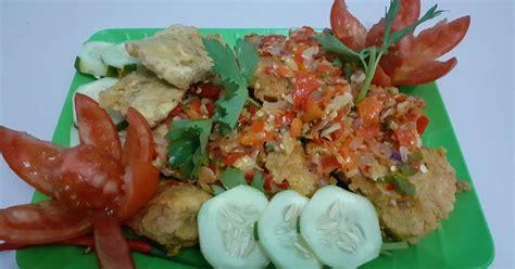 Sambal geprek ayam ini pedasnya bikin lidah terbakar. 221 resep ayam geprek sambal bawang enak dan sederhana - Cookpad