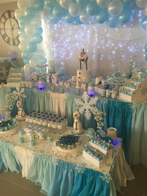 Also, you can buy a centre table that comes with or without storage. Beautiful table setting frozen … | Frozen themed birthday party, Frozen party decorations ...