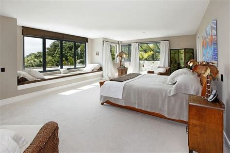 Sotheby?s Auckland House  expansive master bedroom with