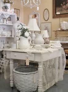 Shabby Style Onlineshop : around the shop display ideals cottage shabby chic cottage style ~ Frokenaadalensverden.com Haus und Dekorationen