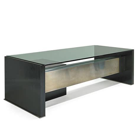 bureau metal et verre osvaldo borsani tres grand bureau en metal laque aluminium et verre edition tecno vers 1970