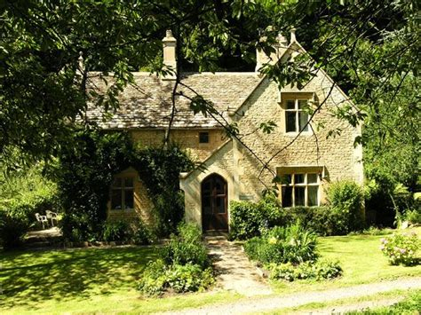 cottage hire cotswolds owlpen manor vacation rental gloucestershire