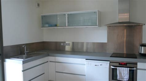 plaque en aluminium pour cuisine plaque inox brosse pour cuisine maison design bahbe com