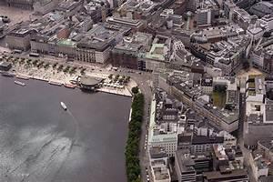 Location Scout Hamburg : aerial view of the binnenalster in hamburg germany ~ Michelbontemps.com Haus und Dekorationen