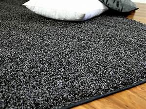 Langflor Teppich Saugen : teppich hochflor shaggy premio anthrazit in 24 gr en teppiche hochflor langflor teppiche ~ Markanthonyermac.com Haus und Dekorationen