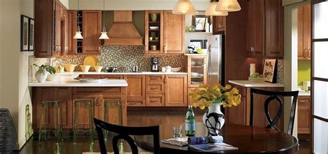 thomasville kitchen islands kitchen maple cabinets in toasted almond with cappuccino 2731