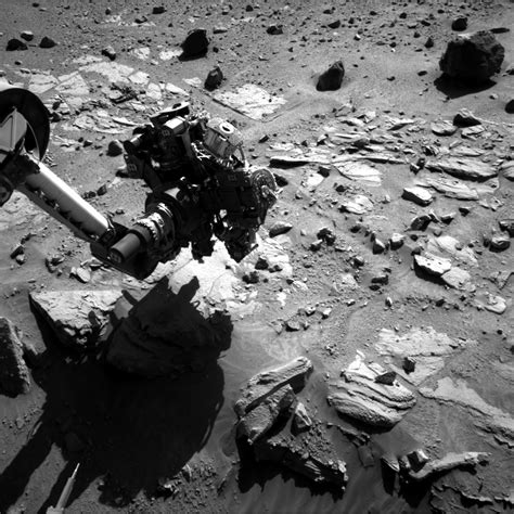 NASA Curiosity Rover Gets Up Close And Personal With A ...