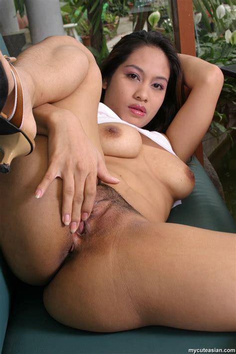 Mature Asian Girl Dildoing In Various Poses Till Cummed