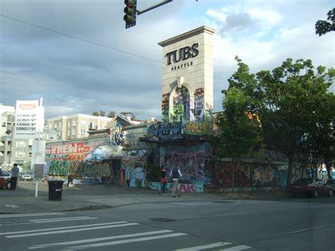 graffiti  tubs    roosevelt walking  seattle