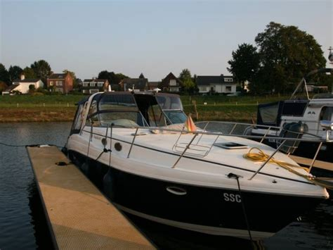 Rinker Boats Gebraucht by Rinker Vee 342 In Niederlande Motorcruiser
