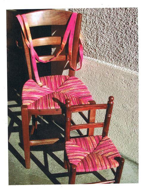 rempailler une chaise avec du tissu rempaillage en tissu rempaillage et