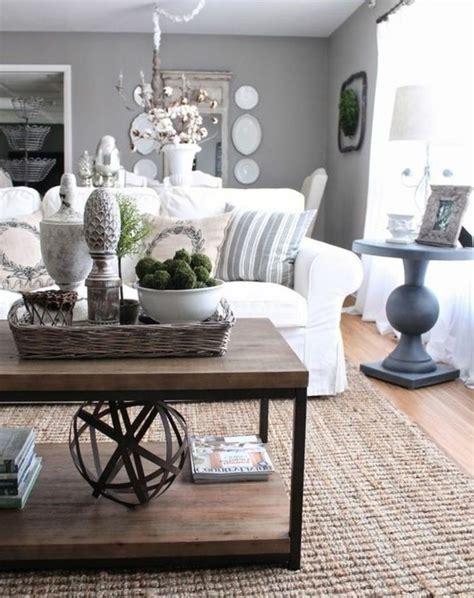 canape couleur taupe deco salon gris et bois