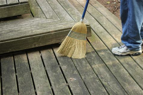 Wood Deck Cleaning Solution