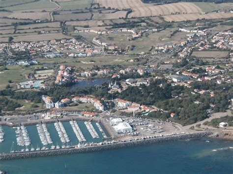 location 224 port bourgenay